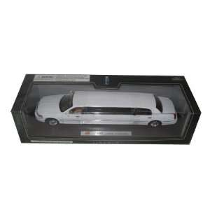 2003 Lincoln Town Car Limousine White Diecast Car Model