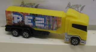 PEZ Big Rig Power Trucks  White Mack Cab / White Body