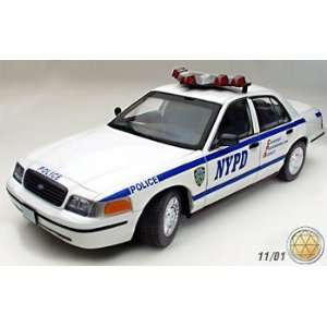 1/18 Autoart Ford Crown Victoria Police NYPD Toys & Games
