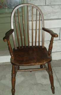 Antique Windsor ENGLISH YEW WOOD ARM CHAIR comb back early american