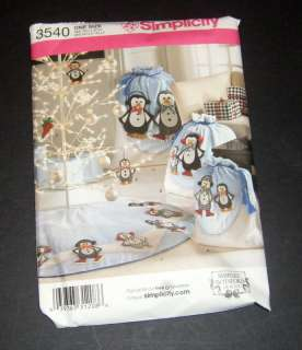 Simplicity Pattern #3540 Christmas Penguin Tree Skirt